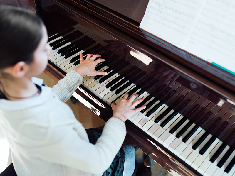 Piano lessons for children in Bollington and Macclesfield Cheshire
